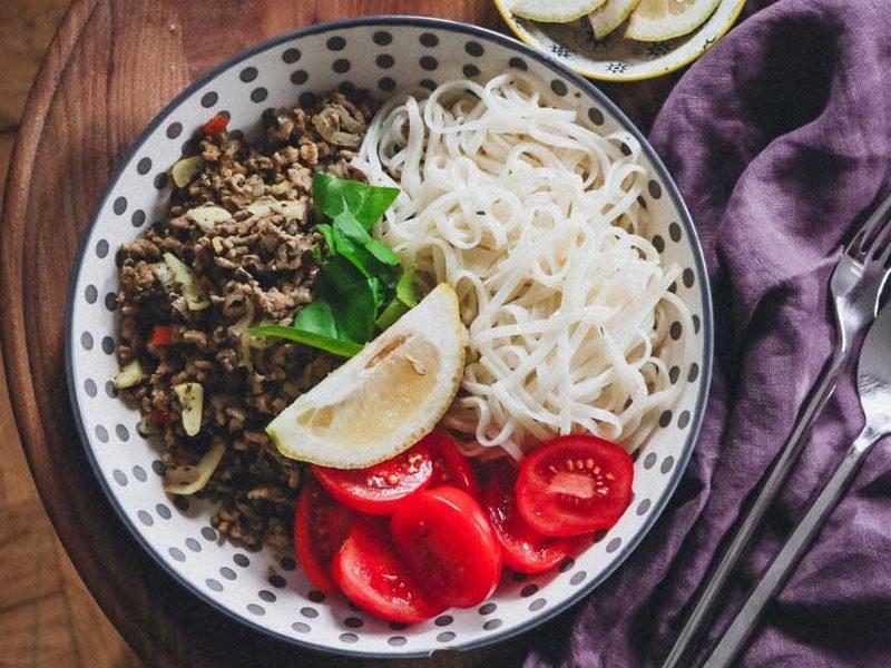 yellofromtheegg, rezept, reisnudeln, hackfleisch, schnell und einfach, leichtes essen